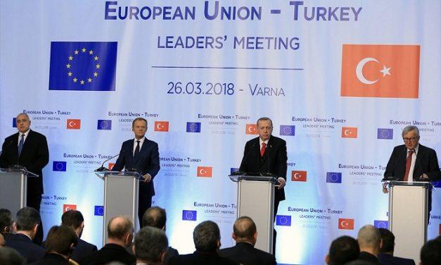 """تركيا """"تلهث"""" خلف الاتحاد الأوروبي"""