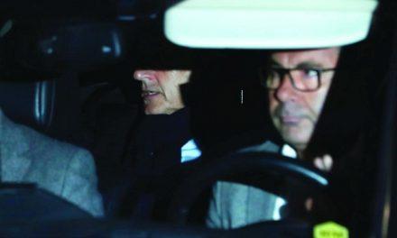 """""""شبح"""" القذافي.. يطل من فرنسا"""