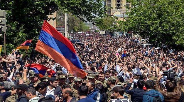 """الأزمة الأرمنية تتصاعد و """"تحذيرات دولية"""""""