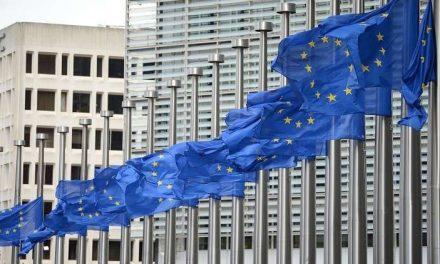 """الجولة الأولى من الفوضى """"ترامب ضد الاتحاد الأوروبي"""""""