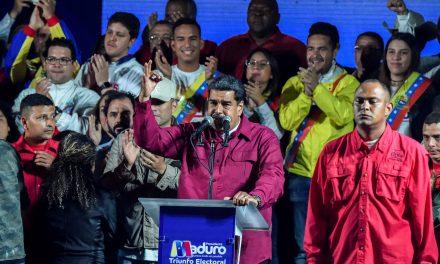 """مادورو يفوز بولاية رئاسية ثانية ومنافسه """"يعترض"""""""