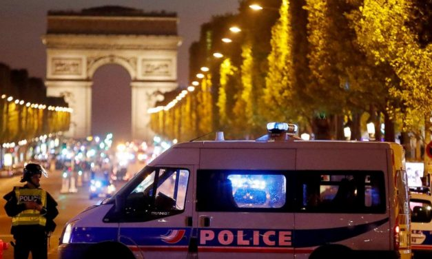"""""""الهندسة الاجتماعية"""" أو نزول فرنسا إلى الجحيم (2/2)"""