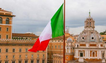 إيطاليا تتفادى الأزمة وتحافظ على منطقة اليورو