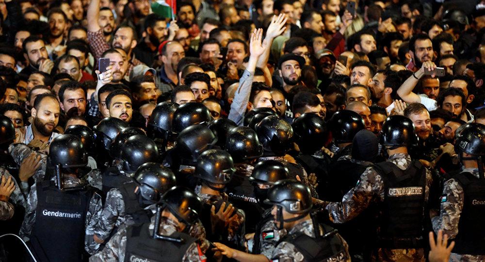 حلول منطقية للأوضاع الأردنية