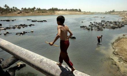 """جفاف نهر دجلة: """"نكبة"""" مائية"""