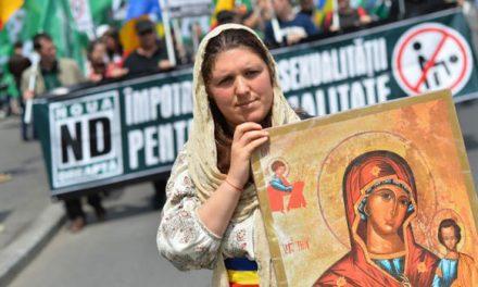 إستفتاء دستوري وشيك في رومانيا
