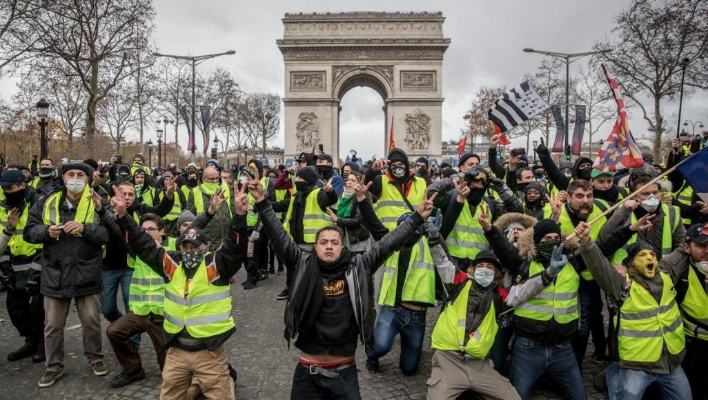 """فرنسا و""""التحديات الصفراء"""""""