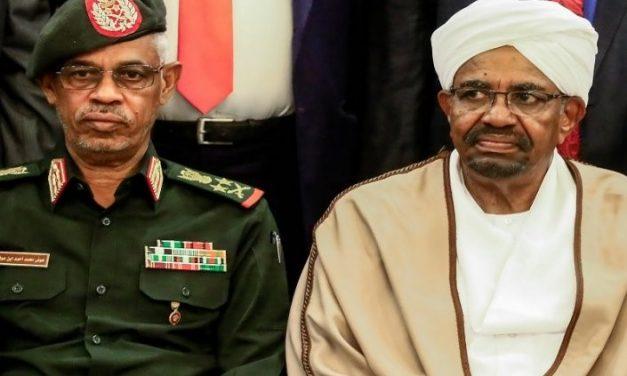 """""""الثورة"""" قطرية.. و""""الإنقلاب"""" سعودي؟!"""