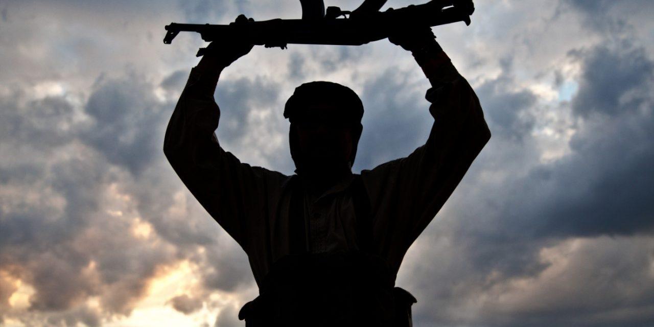 """عولمة الحركات """"الجهادية"""" الإسلامية من خلال التجربة السورية"""