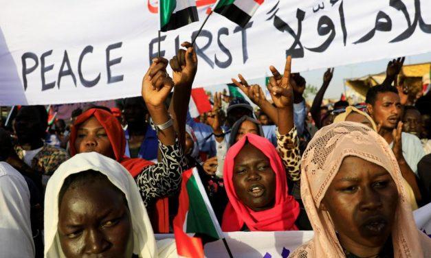 تحديات التحول الديمقراطي في السودان