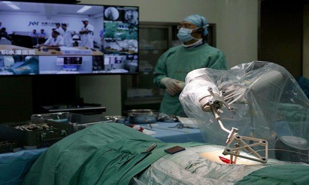 الجراحة الروبوتية وأهميتها في القطاع العسكري*