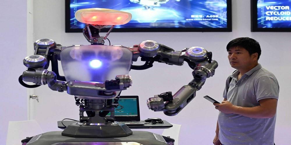 الذكاء الإصطناعي سيحرمنا من وظائفنا.. لكنه قد يحررنا