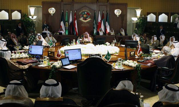 موقف دول الخليج من المشاريع الإقليمية الثلاثة