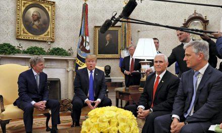 التفاوض السري بين أميركا وخصومها.. من دمشق وبيروت إلى طهران وموسكو