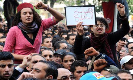 """""""الربيع العربي"""" لم يمت.. موجة ثانية من الثورات؟*"""