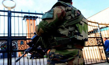 """فرنسا العلمانية أمام تحدي التطرف و""""الإنعزالية الإسلامية"""""""