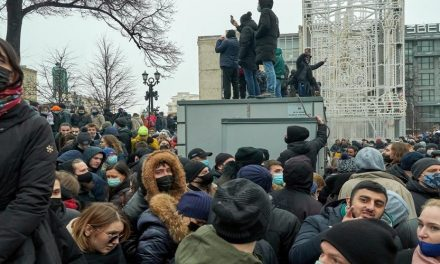 إلى أين ستصل أكبر الإحتجاجات في روسيا؟*