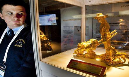 هل الذهب فعلاً أفضل الإستثمارات على الإطلاق؟