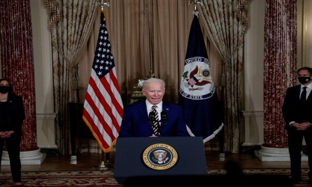 لماذا بكّر بايدن موعد انسحاب القوات الأميركية من أفغانستان؟