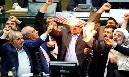 إدارة بايدن وإيران وتحدي إحياء الإتفاق النووي