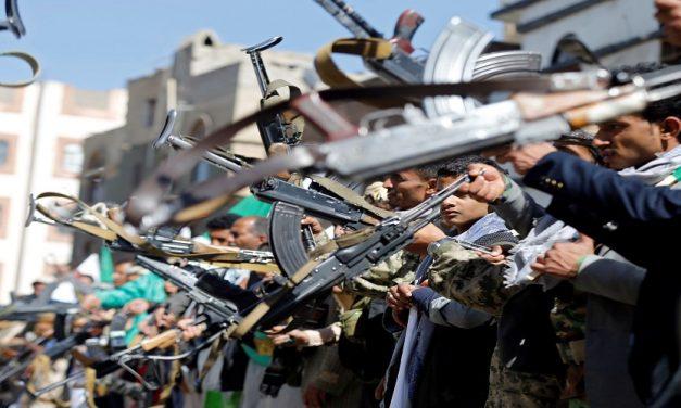 """لماذا يرفض الحوثيون """"اليد الممدودة"""" من السعودية؟"""