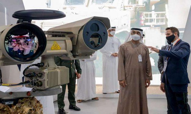 """كيف أسهم """"آيدكس"""" و""""نافدكس"""" في تطوير صناعات الإمارات الدفاعية؟"""