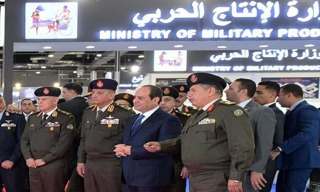 """""""الشركات العسكرية"""" المصرية ودورها في دعم الإقتصاد"""