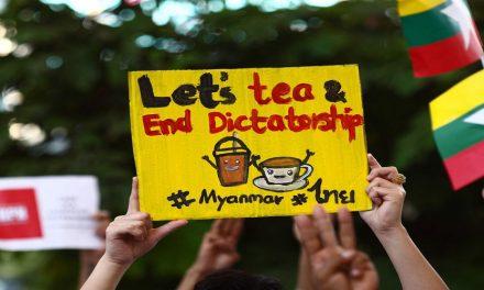 """هل تنتصر تظاهرات """"شاي الحليب"""" على انقلاب ميانمار؟"""